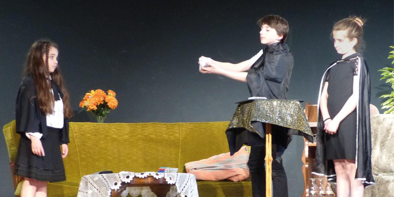 > AVRIL : Festival Drama'tics
